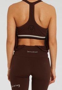Yogasearcher - Legging - brown - 4