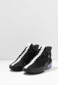 Jordan - JUMPMAN DIAMOND 2 MID - Basketball shoes - black/white - 2