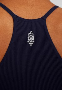 Free People - CROPPED RUN TANK - Fitness / Yoga - navy - 5