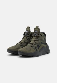 Timberland - MADBURY HIKER - Lace-up ankle boots - dark green - 1