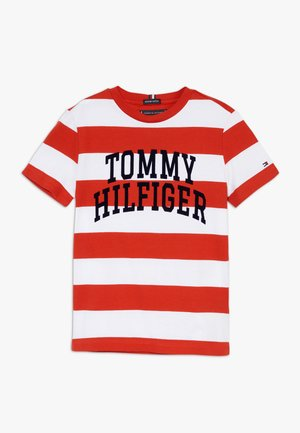 RUGBY STRIPE GRAPHIC TEE - T-Shirt print - red