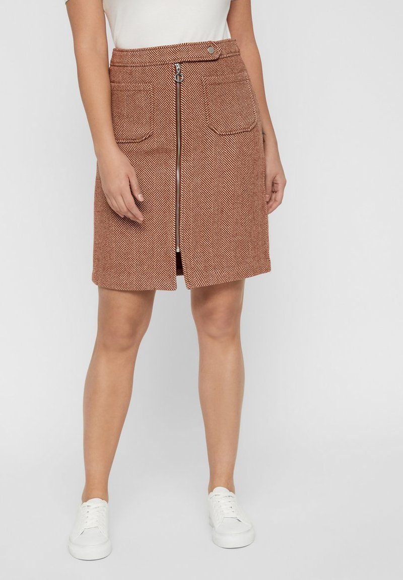 Vero Moda - VMTOYA HERRINGBONE SKIRT - A-line skirt - cognac