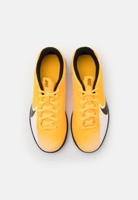 Nike Performance - MERCURIAL JR VAPOR 13 CLUB IC UNISEX - Halové fotbalové kopačky - laser orange/black/white - 3