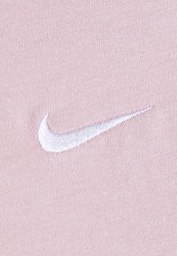 Nike Sportswear - Print T-shirt - champagne/white - 6
