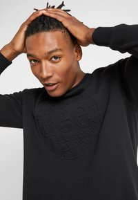 Lee - EMBOSSED CREW - Sweatshirt - black