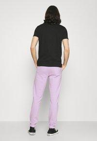 Denim Project - LOGO PANT - Tracksuit bottoms - pastel lilac - 2