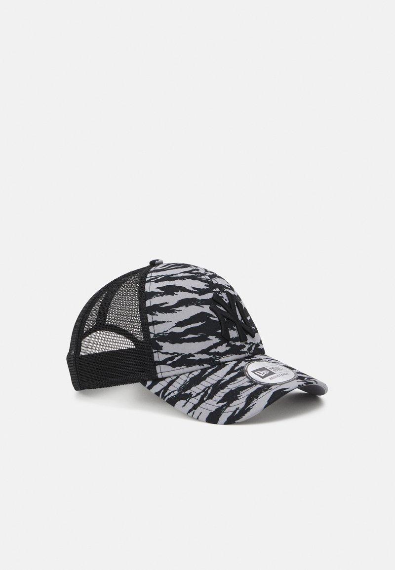 New Era - TIGER PRINT 9FORTY UNISEX - Lippalakki - grey/black