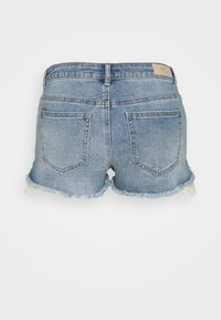 ONLY Petite - ONLCARMEN LIFE REG  - Shorts di jeans - medium blue denim - 1