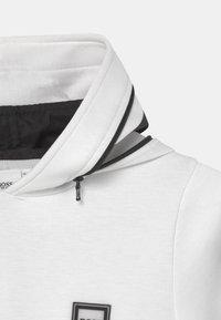 BOSS Kidswear - HOODED  - Long sleeved top - white - 2