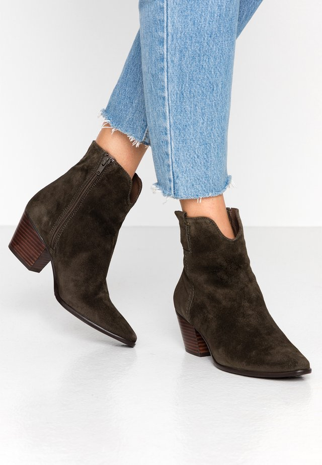 Classic ankle boots - pino