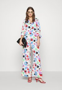 Never Fully Dressed - FREYA PRINT TROUSER - Trousers - multi - 1