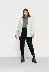 New Look Curves - LEO LEOPARD PRINTED - Button-down blouse - green - 1