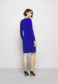 DKNY - Robe en jersey - sapphire - 2