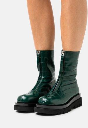 DOZED - Platform ankle boots - green