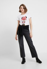 ONLY - ONLMICKEY VINTAGE - T-shirts med print - white - 1