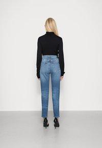 Marc O'Polo DENIM - FREJA - Relaxed fit jeans - stone melange - 2