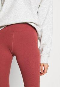 Nike Sportswear - Leggings - canyon rust - 4