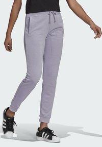 adidas Originals - TRAININGSHOSE - Pantalon de survêtement - grey - 2