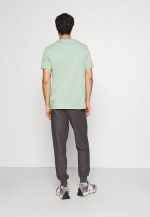 PLAIN - T-shirt basic - fern green