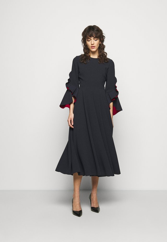 CADEN DRESS - Juhlamekko - midnight/sangria