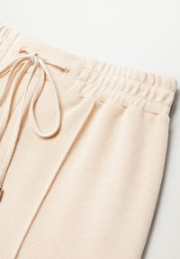 Mango - PIQUE8 - Pantalon de survêtement - zand - 7
