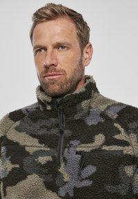 Brandit - Fleece jumper - darkcamo - 5