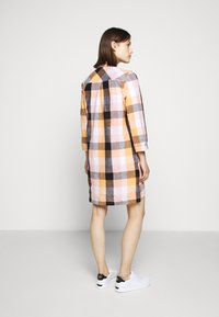 Barbour - SEAGLOW DRESS - Sukienka koszulowa - blue/sunstone orange - 2