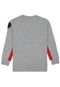 Fabric Flavours - OUT OF THIS WORLD TUFT SWEATSHIRT - Sweatshirt - grey - 6