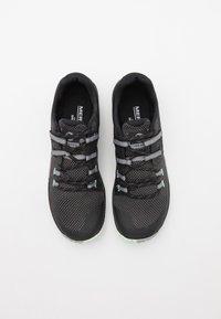 Merrell - TRAIL GLOVE 6 - Zapatillas de trail running - black - 3