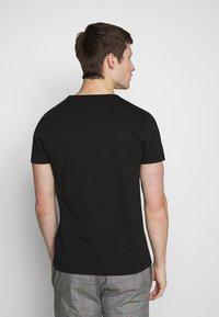 Tommy Hilfiger - T-Shirt print - black - 2
