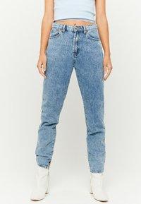TALLY WEiJL - Slim fit jeans - rinsed denim - 0