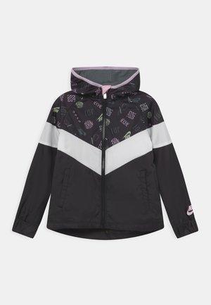 ICONCLASH WINDRUNNER - Training jacket - black