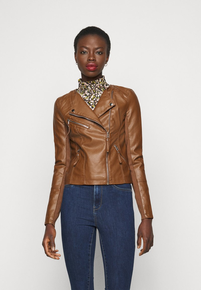 Vero Moda Tall - VMRIAFAVO SHORT COATED JACKET - Faux leather jacket - cognac