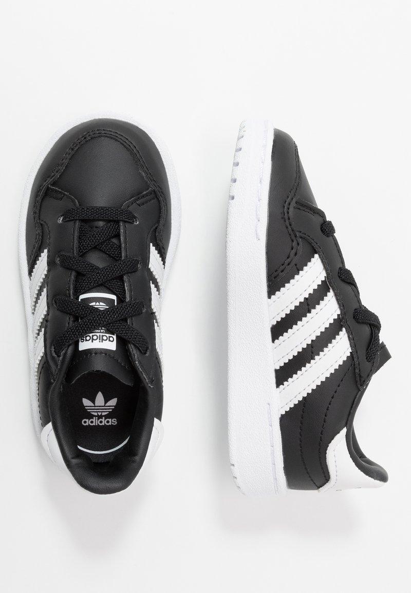 adidas Originals - TEAM COURT - Półbuty wsuwane - core black/footwear white