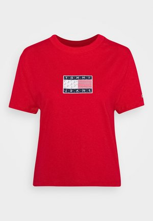 STAR AMERICANA FLAG TEE - Print T-shirt - deep crimson