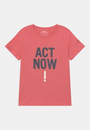 BALUME ACT NOW UNISEX - T-shirt print - coral