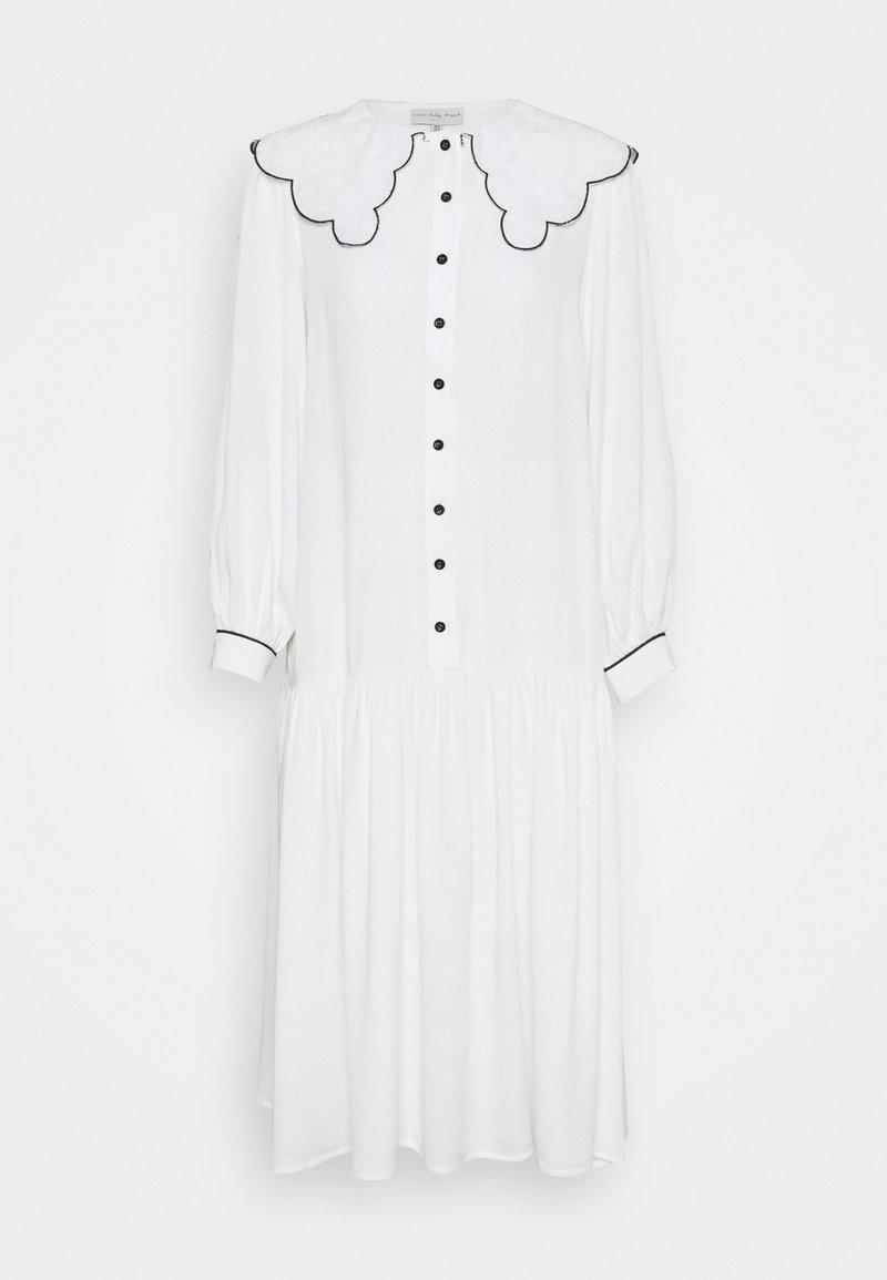 Never Fully Dressed Petite - Blousejurk - white