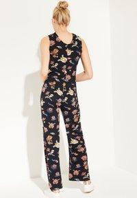 comma casual identity - MIT WICKEL-EFFEKT - Jumpsuit - marine floral print - 2