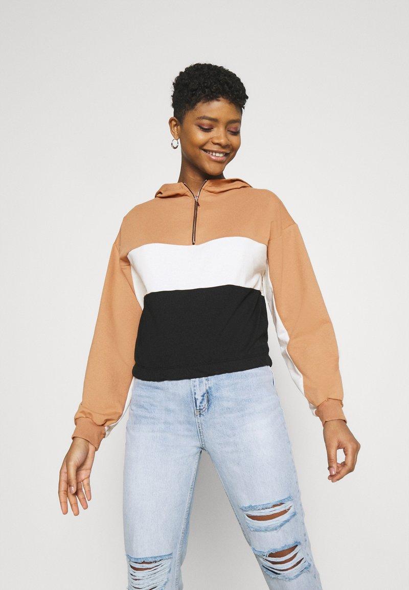 Trendyol - Sweatshirt - camel