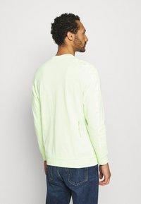 Nike Sportswear - Long sleeved top - liquid lime - 2