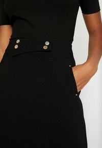 Morgan - JELLY - Áčková sukně - noir - 4