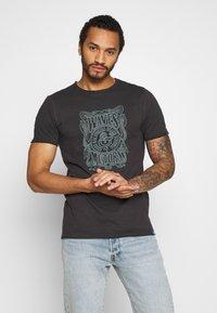 Only & Sons - ONSCARL SLIM RAW EDGE TEE  - T-shirt print - phantom - 0