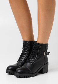 Madden Girl - HARLEE - Lace-up ankle boots - black - 0