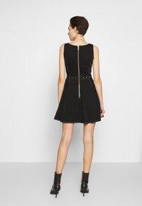 Versace Jeans Couture - LADY DRESS - Denimové šaty - nero - 2