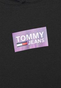 Tommy Jeans - GRADIENT LOGO HOODIE - Felpa con cappuccio - black - 6