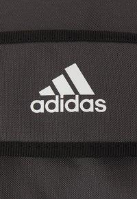 adidas Performance - LINEAR DUFFEL M UNISEX - Sportovní taška - grey/black - 4