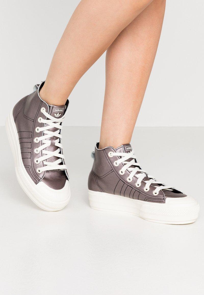 adidas Originals - NIZZA PLATFORM MID - Sneakers alte - core black/offwhite