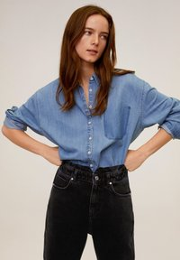Mango - SLOUCHY - Relaxed fit jeans - black denim - 3