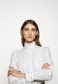 WEEKEND MaxMara - BRONZO - Button-down blouse - weiss - 3