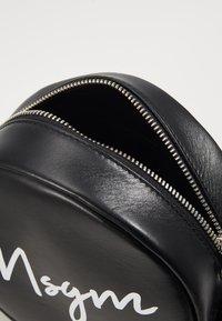 MSGM - Taška spříčným popruhem - black - 4